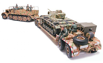 35246 Tamiya FAMO and Tank Transporter